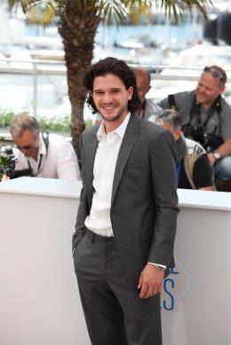 photo 80/126 - Kit Harington - Photocall du 67ème Festival International du Film de Cannes 2014 - Dragons 2 - © Isabelle Vautier pour CommeAuCinema.com