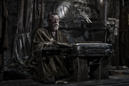 photo 12/40 - John Hurt - Snowpiercer, le Transperceneige - © Wild Side Films/Le Pacte