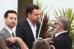 photo 108/145 - Tobey Maguire, Leonardo DiCaprio et Thierry Frémaux - Conférence de presse Gatsby le Magnifique - Cannes 2013 - Gatsby Le Magnifique - © Isabelle Vautier pour CommeAuCinema.com