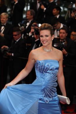 Lorie Mont�e des marches Gatsby le Magnifique - Cannes 2013 photo 7 sur 20