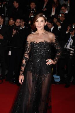 Clotilde Courau Montée des marches Gatsby le Magnifique - Cannes 2013 photo 10 sur 51