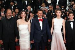 Fantin Ravat Montée des marches Jeune et Jolie - Cannes 2013 photo 5 sur 7