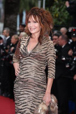 Clémentine Célarié Montée des marches Jeune et Jolie - Cannes 2013 photo 1 sur 24