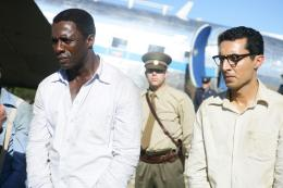 photo 18/32 - Idris Elba, Riaad Moosa - Mandela : Un long chemin vers la liberté - © Pathé Distribution