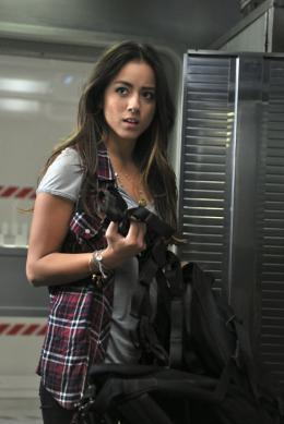Chloe Bennet Marvel's Agents of S.H.I.E.L.D photo 4 sur 5