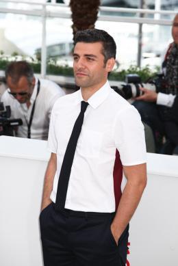 photo 15/40 - Oscar Isaac - Photocall de Inside Llewyn Davis - Cannes 2013 - Inside Llewyn Davis - © Isabelle Vautier pour CommeAuCinema.com