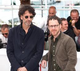 photo 20/40 - Joel Coen et Ethan Coen - Photocall de Inside Llewyn Davis - Cannes 2013 - Inside Llewyn Davis - © Isabelle Vautier pour CommeAuCinema.com