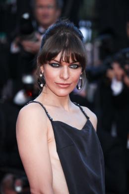 Milla Jovovich Présentation du film Ma Vie avec Liberace - Cannes 2013 photo 1 sur 95
