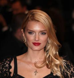 Laura Weissbecker Pr�sentation du film Only God Forgives - Cannes 2013 photo 1 sur 4