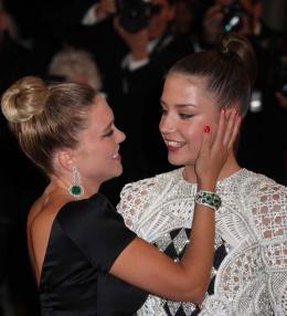 photo 30/45 - L�a Seydoux et Ad�le Exarchopoulos - Pr�sentation du film La Vie d'Ad�le - Cannes 2013 - La Vie d'Ad�le - Chapitres 1 et 2 - © Isabelle Vautier pour CommeAuCinema.com