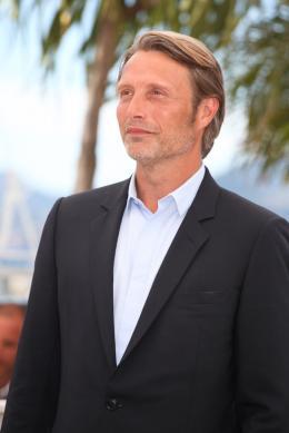 photo 14/36 - Mads Mikkelsen - Photocall du film Michael Kohlhaas - Cannes 2013 - Michael Kohlhaas - © Isabelle Vautier pour CommeAuCinema.com
