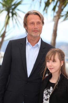 photo 21/36 - Mads Mikkelsen et Mélusine Mayance - Photocall du film Michael Kohlhaas - Cannes 2013 - Michael Kohlhaas - © Isabelle Vautier pour CommeAuCinema.com