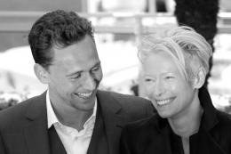 photo 20/42 - Tom Hiddleston et Tilda Swinton - Photocall du film Only Lovers Left Alive - Cannes 2013 - Only Lovers Left Alive - © Isabelle Vautier pour CommeAuCinema.com