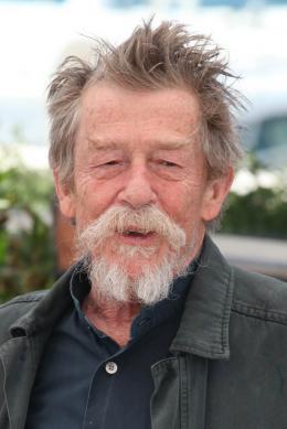 John Hurt Photocall du film Only Lovers Left Alive - Cannes 2013 photo 8 sur 58