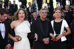 photo 38/45 - Ad�le Exarchopoulos, Abdellatif Kechiche et L�a Seydoux - Cl�ture du Festival de Cannes 2013 - La Vie d'Ad�le - Chapitres 1 et 2 - © Isabelle Vautier pour CommeAuCinema.com