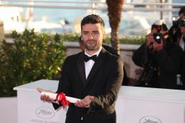 photo 40/40 - Oscar Isaac - Photocall des lauréats - Cannes 2013 - Inside Llewyn Davis - © Isabelle Vautier pour CommeAuCinema.com
