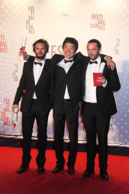 photo 2/2 - Adriano Valerio, Moon Byoung-Gon et Arnar Gudmundsson - Dîner de clôture du Festival de Cannes 2013 - Hvalfjordur - © Isabelle Vautier pour CommeAuCinema.com