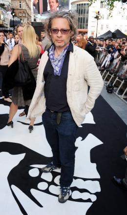 Dexter Fletcher Avant-première de World War Z à Londres, Juin 2013 photo 1 sur 4
