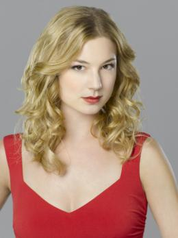 Revenge Emily VanCamp photo 10 sur 11