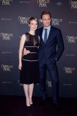 photo 39/75 - Mia Wasikowska, Tom Hiddleston - Crimson Peak - © Universal Pictures International