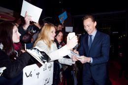 Tom Hiddleston Avant-première de Crimson Peak à Paris photo 10 sur 107