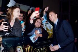 Tom Hiddleston Avant-premi�re de Crimson Peak � Paris photo 7 sur 100