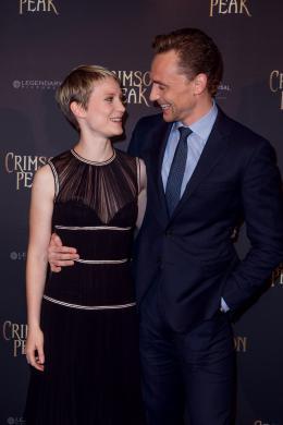 Tom Hiddleston Avant-premi�re de Crimson Peak � Paris photo 8 sur 100