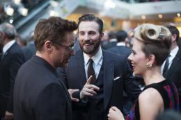 photo 86/122 - Robert Downey Jr, Chris Evans, Scarlett Johansson - Avant-première à Londres - Avengers : L'Ère d'Ultron - © Getty Images - Disney