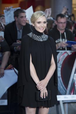 Elizabeth Olsen Avant-première à Londres photo 5 sur 29