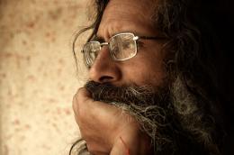 photo 10/13 - Suraj Baba - S�dhu - © Urban Distribution