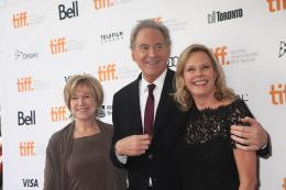 JoBeth Williams Retrouvailles de l'équipe du film Les Copains d'abord - Toronto 2013 photo 1 sur 2