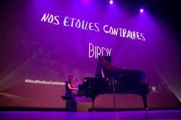 photo 15/25 - Birdy - Avant-premi�re � Paris - Nos �toiles Contraires - © 20th Century Fox
