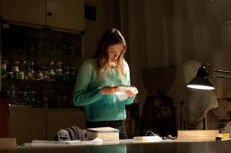 photo 4/11 - Ana Girardot - Le Beau Monde - © Pyramide Films
