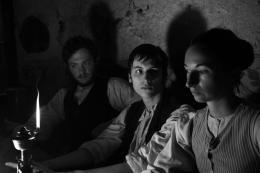 photo 6/9 - Maximilian Scheidt, Jan Dieter Schneider, Mélanie Fouché - Heimat 2 - L'Exode - © Les Films du Losange