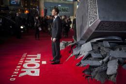 photo 99/143 - Tom Hiddleston - Avant-première du film Thor le Monde des Ténèbres, Londres 2013 - Thor - Le Monde des Ténèbres - © Walt Disney Studios Motion Pictures France