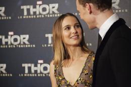 photo 121/143 - Natalie Portman et  Tom Hiddleston - Avant-première du film Thor le Monde des Ténèbres, Paris 2013 - Thor - Le Monde des Ténèbres - © Walt Disney Studios Motion Pictures France