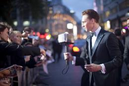 photo 107/143 - Tom Hiddleston - Avant-première du film Thor le Monde des Ténèbres, Londres 2013 - Thor - Le Monde des Ténèbres - © Walt Disney Studios Motion Pictures France