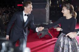 photo 101/143 - Tom Hiddleston et Natalie Portman - Avant-première du film Thor le Monde des Ténèbres, Londres 2013 - Thor - Le Monde des Ténèbres - © Walt Disney Studios Motion Pictures France
