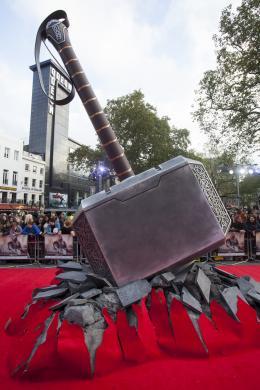 photo 86/143 - Avant-première du film Thor le Monde des Ténèbres, Londres 2013 - Thor - Le Monde des Ténèbres - © Walt Disney Studios Motion Pictures France
