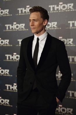 photo 113/143 - Tom Hiddleston - Avant-première du film Thor le Monde des Ténèbres, Paris 2013 - Thor - Le Monde des Ténèbres - © Walt Disney Studios Motion Pictures France