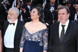 photo 36/45 - Mike Leigh, Marion Bailey, Timothy Spall - Mont�e des marches au 67�me Festival International du Film de Cannes 2014 - Mr. Turner - © Isabelle Vautier pour CommeAuCinema.com