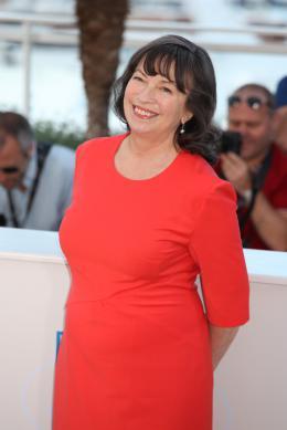 photo 14/45 - Marion Bailey - Photocall du 67�me Festival International du Film de Cannes 2014 - Mr. Turner - © Isabelle Vautier pour CommeAuCinema.com