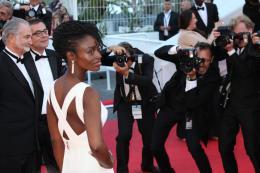 photo 20/45 - A�ssa Ma�ga - Mont�e des marches au 67�me Festival International du Film de Cannes 2014 - Mr. Turner - © Isabelle Vautier pour CommeAuCinema.com