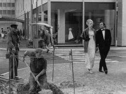 photo 18/53 - Playtime - Coffret Jacques Tati - © Studio Canal