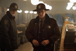 photo 12/22 - Ted Danson, Patrick Wilson - Saison 2 - Fargo - Saison 2 - © Netflix
