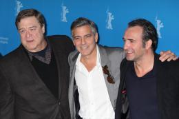 photo 27/95 - John Goodman, George Clooney et Jean Dujardin - Présentation du film The Monuments Men, Berlin 2014 - Monuments Men - © Isabelle Vautier pour CommeAuCinema.com