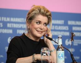 photo 17/31 - Catherine Deneuve - Présentation du film Dans la Cour, Berlin 2014 - Dans la Cour - © Isabelle Vautier pour CommeAuCinema.com