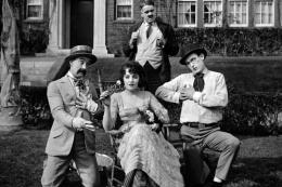photo 2/3 - Harry Pollard, Bebe Daniels et Harold Lloyd - Un, deux, trois... partez !