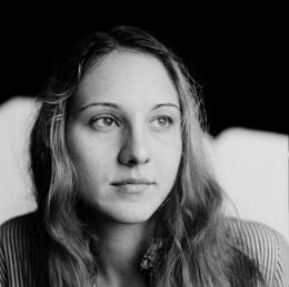 photo 2/2 - Meryll Hardt - Une vie radieuse