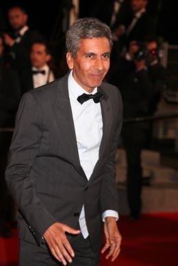 Rachid Bouchareb Mont�e des marches lors du 67�me Festival International du Film de Cannes 2014 photo 1 sur 18